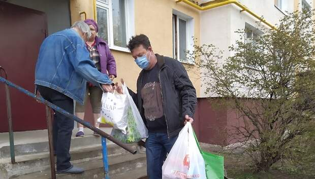 Волонтеры центра «Вектор» Подольска продолжают доставлять лекарства Подольчанам