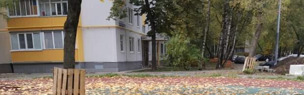 На улицу Героев Панфиловцев полгода не могут привезти игровой городок