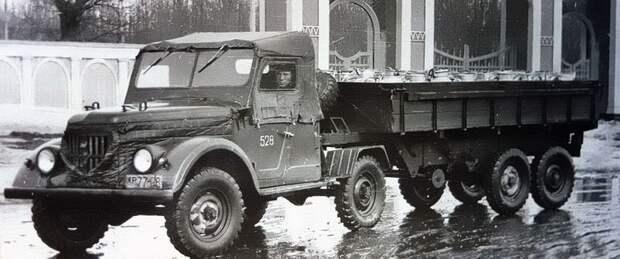 Седельный тягач УАЗ-456