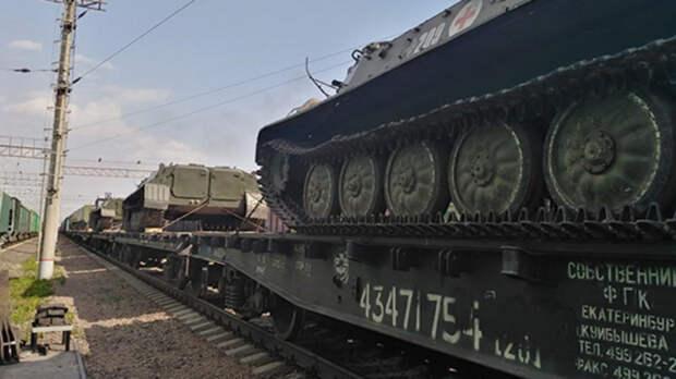 Более 30 поездов заметили награнице Украины иРостовской области
