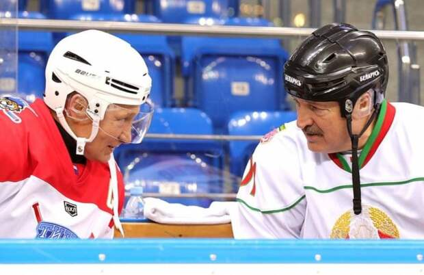 Эксперт: Путин и Лукашенко уже не смогут как ни в чем не бывало играть в хоккей