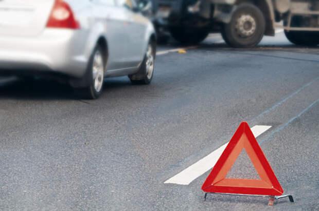 На Нижней Масловке произошла авария с мотоциклом