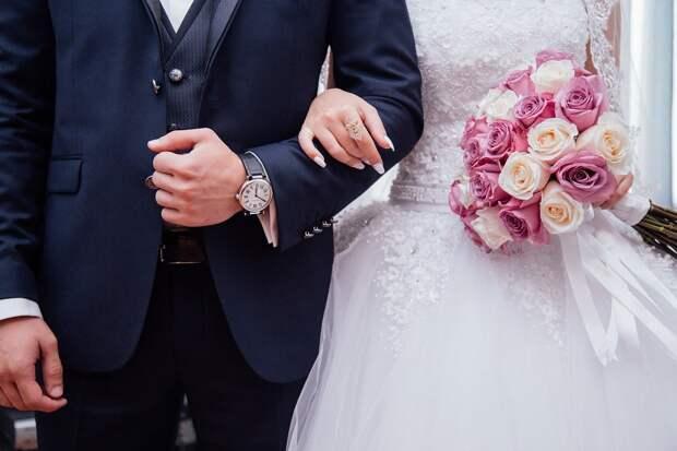 В ижевском ЗАГСе открыли приём заявлений на регистрацию брака в День семьи, любви и верности