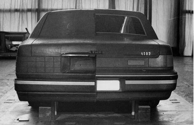 ЗИЛ-4102 — неудавшийся лимузин последнего президента СССР