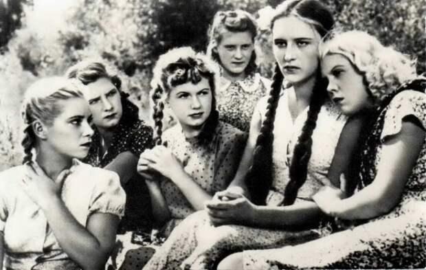 Кадр из к/ф «Молодая гвардия» (1948). | Фото: 22-91.ru.