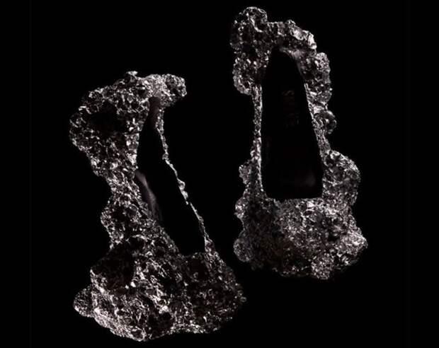 Самая неудобная в мире обувь, которая поражает своим внешним видом