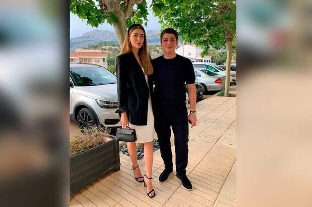 """Мария Данилова с мужем, управляющим партнёром """"Лиги ставок"""". Фото © Instagram / mdanilova"""