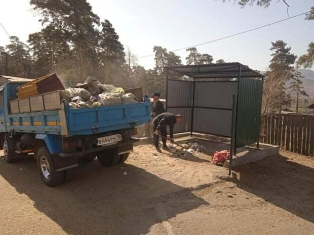 Управляющая компания два месяца не убирала мусор в Антипихе