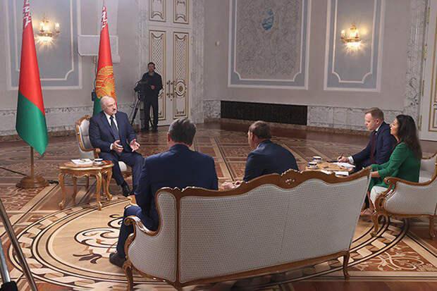 Лукашенко обвинил США в поддержке оппозиционных телеграм-каналов