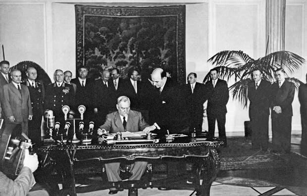 Зачем СССР создал свой военный блок — Организацию Варшавского договора