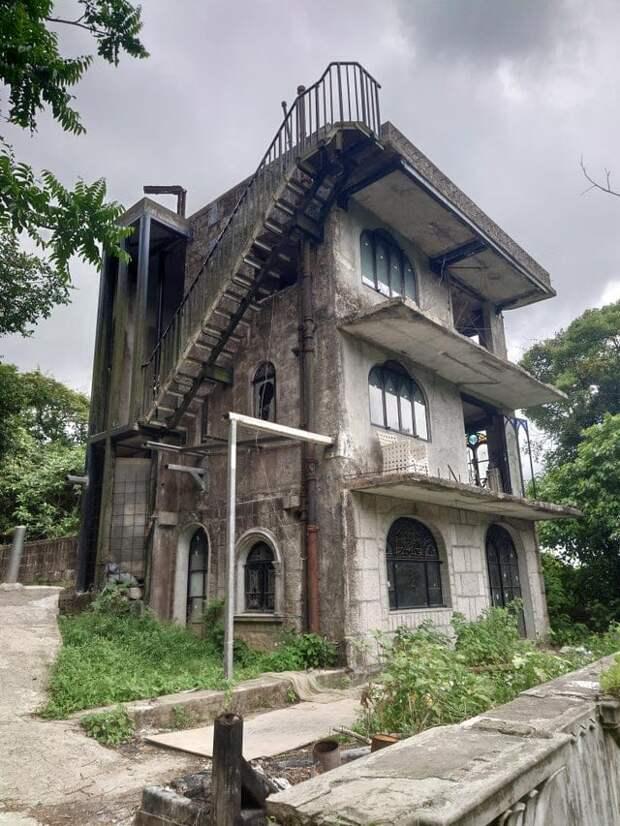 19 завораживающих фотографий заброшенных зданий со своей атмосферой — зловещей, но такой чарующей