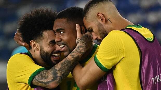 Малком остался без отпуска. Бразильский хавбек присоединился к «Зениту»