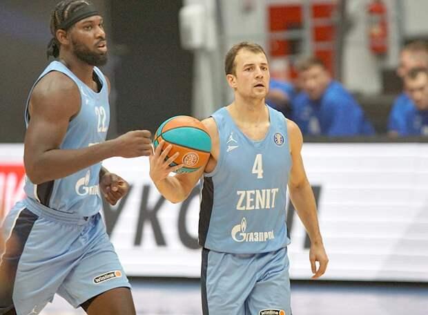 «Зенит» разгромил «Парму» и во второй раз, оформив в Перми выход в полуфинал