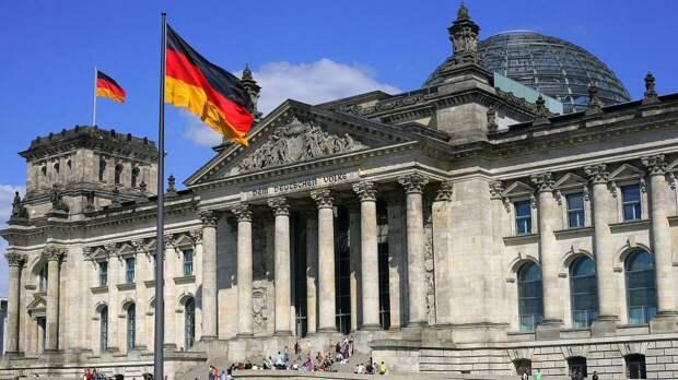 Германия решила отказаться от использования AstraZeneca для пожилых граждан