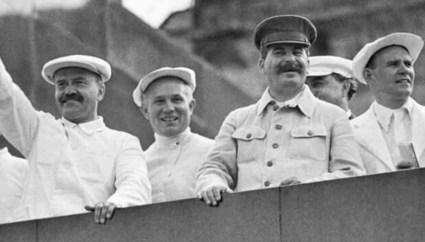 На какие реформы пошел Сталин, чтобы поднять страну после войны