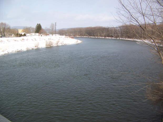 Река поздней осенью
