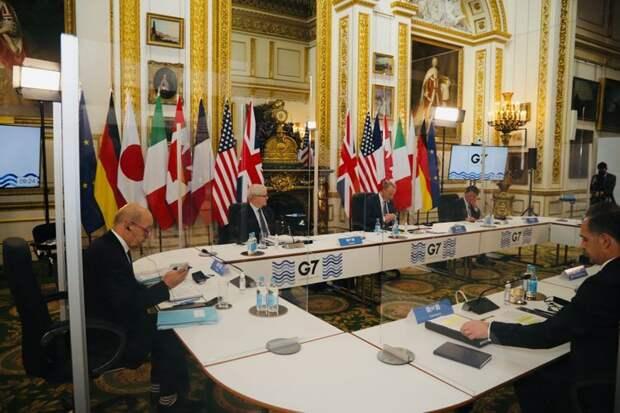"""США и Великобритания говорят Китаю и России: """"Ещё не вечер"""""""