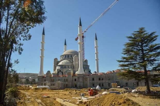 Аксенов отреагировал на сигнал из Кремля о Соборной мечети