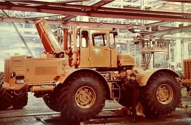 Самый могучий трактор СССР Кировец К 700 Кировец К 700, техника ссср, трактор