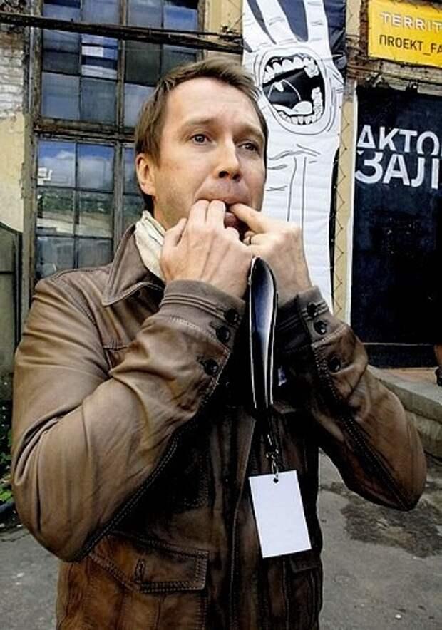 Агрессивные невежи влезают в профессиональную деятельность. Евгений Миронов вступился за Райкина