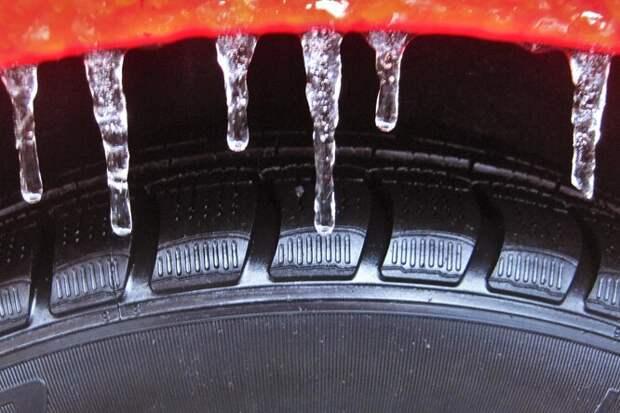 Почему шины зимой нужно «перекачивать»