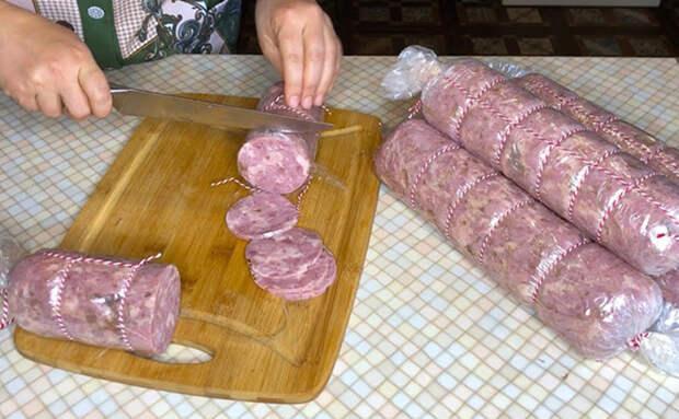Готовим домашнюю колбасу в обычном пакете без специального оборудования