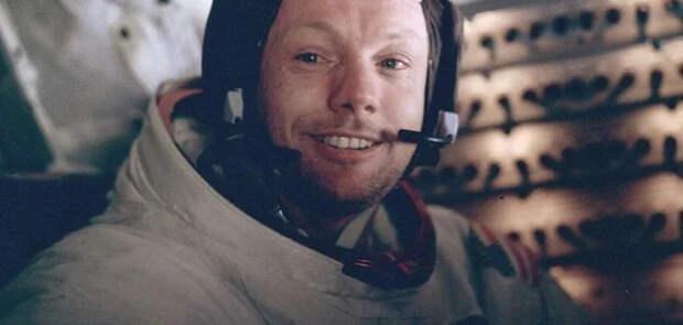 """Нил Армстронг: """"В американском космосе нет звёзд"""". ВИДЕО (с переводом)"""