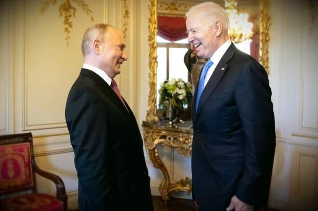 Издание Rzeczpospolita: Путин на саммите в Женеве выступил в роли стендапера