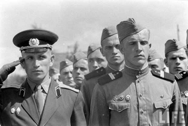 """Советская армия в объективе американского журнала """"LIFE"""""""