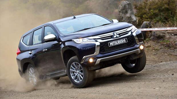 Рамой придавило: Mitsubishi Pajero Sport и окружение