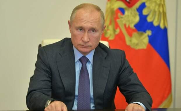 Путин подписал закон о защите минимального дохода россиян от списания