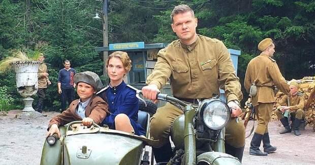Светлана Иванова показала себя в военной форме на съемках