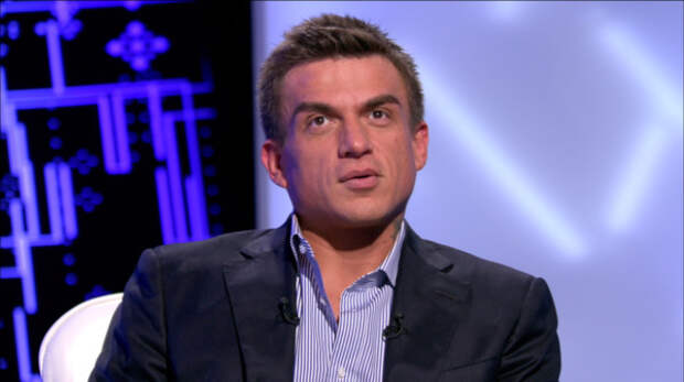 Влад Топалов показал селфи с первенцем