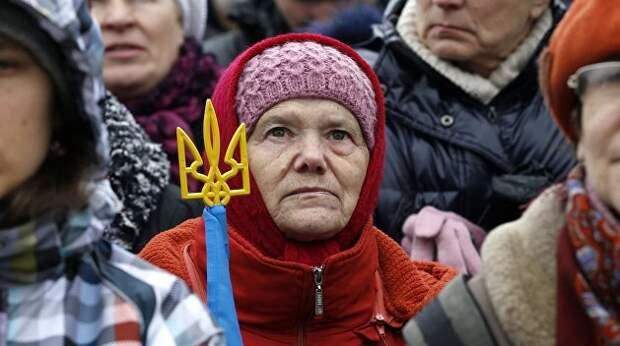 Терпеливые украинцы упорно ждут, когда же богатство олигархов начнет просачиваться к ним вниз