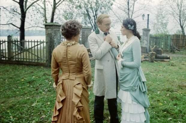 кадр из фильма жестокий романс