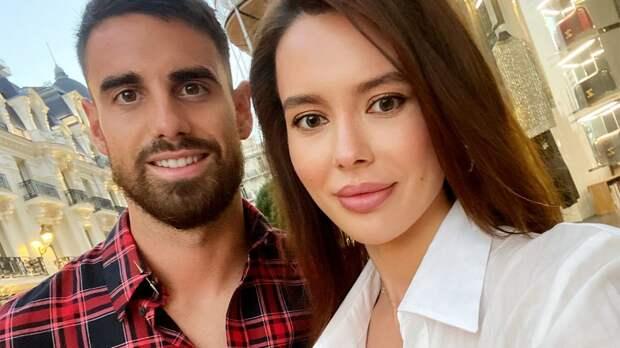 Русская жена французского футболиста объяснила, зачем ему паспорт РФ