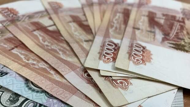 Просроченная задолженность россиян выросла до 1,023 трлн рублей