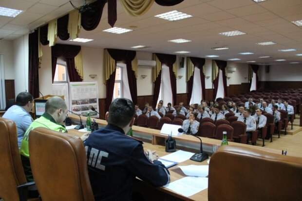 Сотрудники ОГИБДД УВД по САО провели рабочую встречу с военными