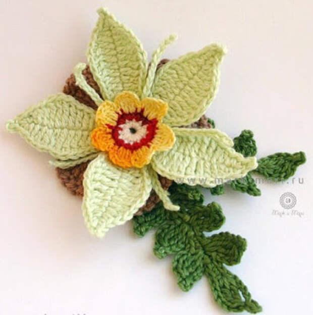 Как связать крючком 7 великолепных цветов… Для украшения свитера или шапки!