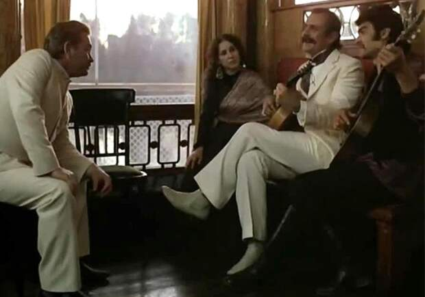 Кадр из фильма *Жестокий романс*, 1984 | Фото: liveinternet.ru