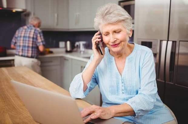 МегаФон дарит постоянную скидку 20% на связь всем пенсионерам