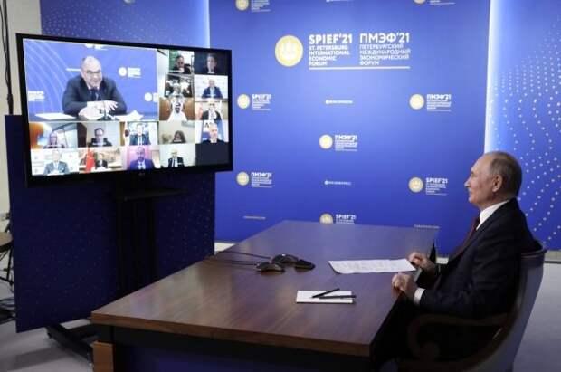 Путин считает, что США идут по пути СССР