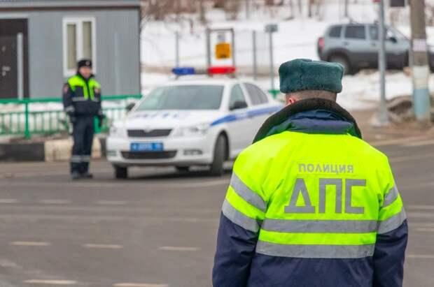 МВД назвало случаи, когда сотрудники ГИБДД могут использовать авто граждан