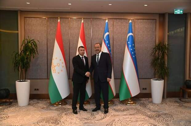 Узбекистан иТаджикистан хотят нарастить товарооборот до $1 млрд