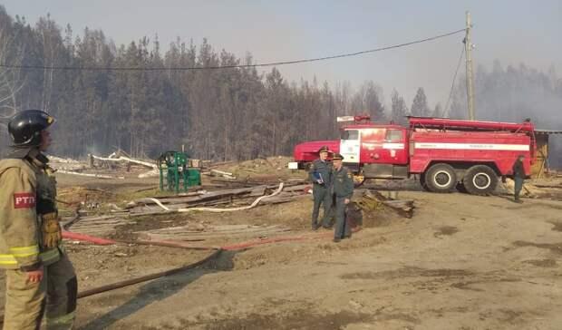 Три склада спиломатериалами загорелись вАлапаевске