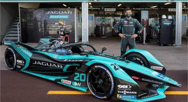 Продукция Castrol совершенствуется с Jaguar Racing