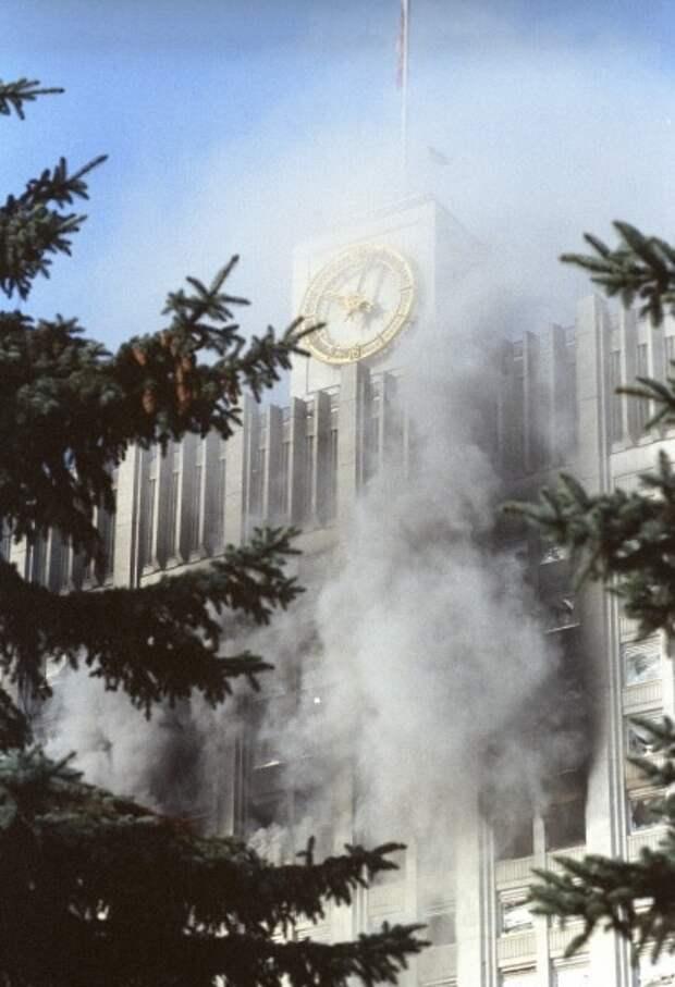 Обстрел Белого Дома в октябре 1993 года