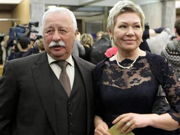 Как сложилась судьба первой жены Леонида Якубовича?