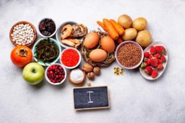 Съешь икры, закуси креветкой. 8 продуктов, содержащих йод