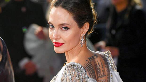 Анджелина Джоли: «Я хочу и дальше причинять себе боль»